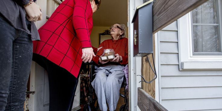Meals On Wheels Sees 500 Percent Surge In Volunteers Since Budget Cuts Proposed | The Huffington Post