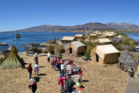Näras resenärer på Titicacasjön