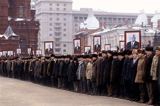 1985_konsztantyin_csernyenko_szovjet_partfotitkar_temetese.jpg