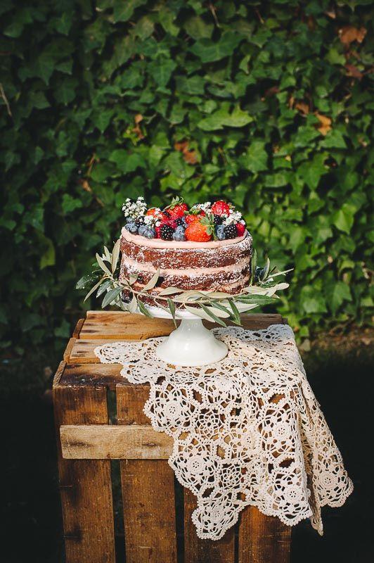 Una tarta estupenda para los amantes del chocolate y las frutas del bosque.