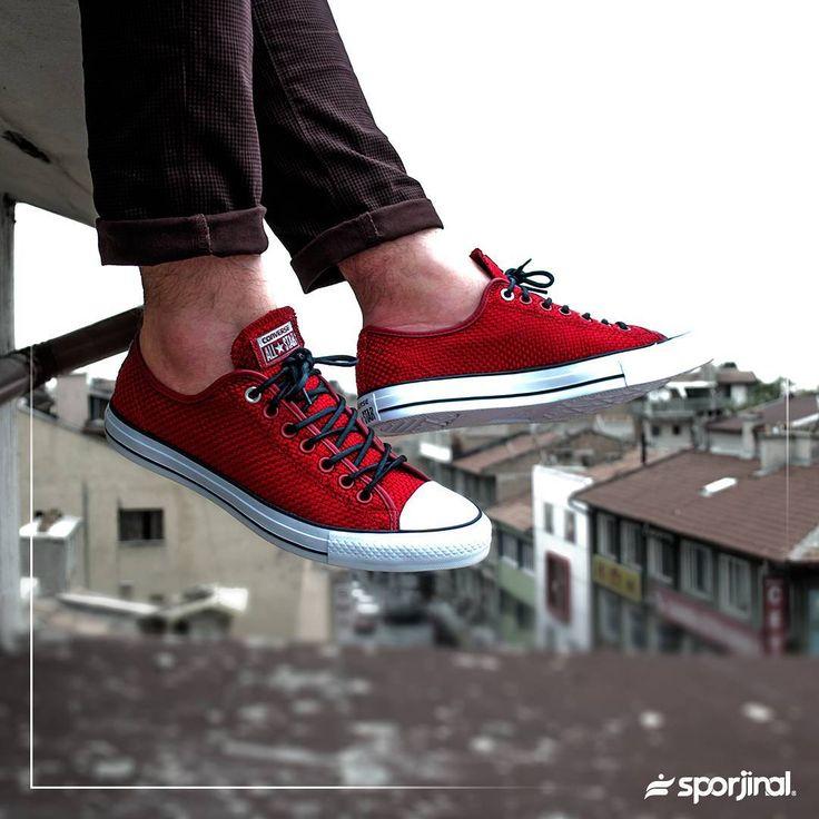 Sokağın nabzını tutan Converse Chuck Taylor All Star OX   Keşfet >> http://goo.gl/nwMYG2  Tıklanabilir Link Profilde >> @Sporjinal  Satış Fiyatı : ₺229  Ürün Kodu : 151027C.802  40/44 arası numaralar stoklarda.  #sporjinal#converse#chucktaylor#allstar#allstarox#allstarii#shoes#sneakers#151027c