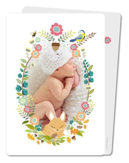 Faire-part naissance floral avec une couronne de fleurs autour de votre photo et un petit renard.