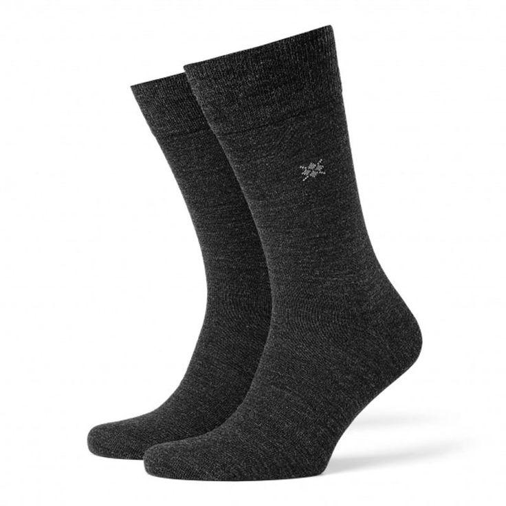 Prueba los calcetines Burlington Leeds, exterior de lana e interior de algodón. Calcetines finos para hombre muy cómodos y confortables. Envíos 24/48h http://www.varelaintimo.com/94-calcetines-de-lana