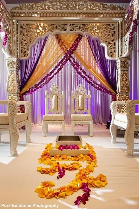 Mandap purple flower garland #indianweddingmandap #purplemandap #mandapstyle