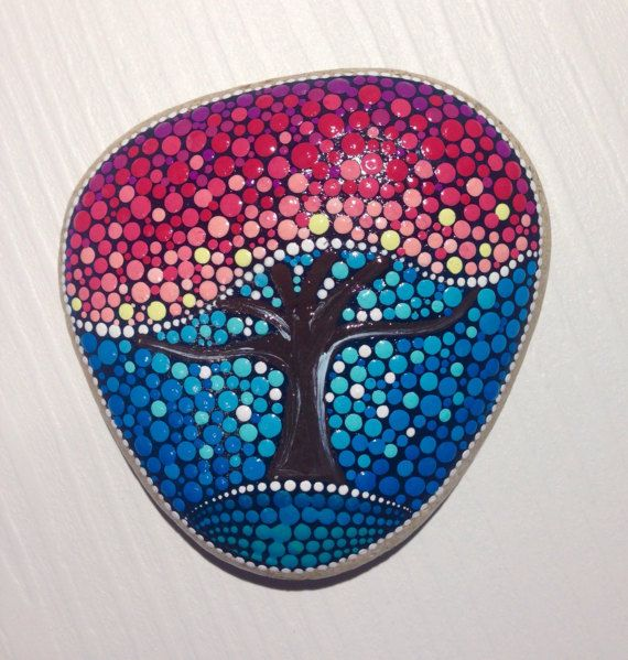 Piedra otoño del árbol de la vida  pintada por CreateAndCherish