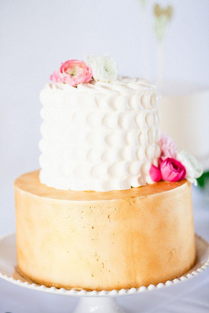 gold cake | Cassandra Photo | Glamour & Grace
