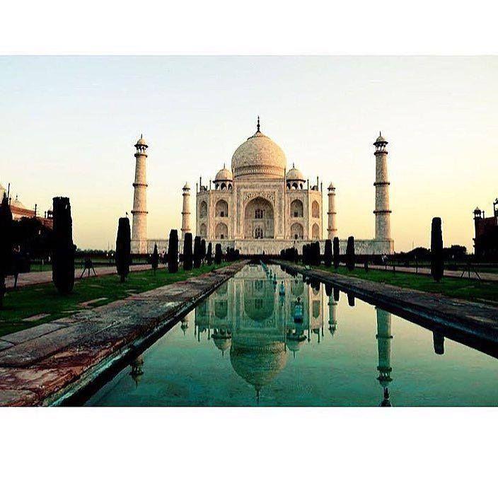 #mytajmemory RETRIPタージマハル タージマハルはインドの北部アーグラにある霊廟世界で最も美しい霊廟と呼ばれており世界遺産にも登録されています この写真は@wall_writingさんからお借りしましたありがとうございました #retrip#retrip_news#RETRIP海外###india#world#beautiful#beautifulworld#beautifulplace#taimahal#asia#travel by retrip_news #IncredibleIndia #tajmahal