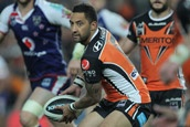 NRL    AUSTRALIAN RUGBY LEAGUE   GREW UP WITH THIS SPORT    GOTTA LOVE BENJI MARSHALL OF THE WESTS TIGERS   MY TEAM   HE'S A MASTER.