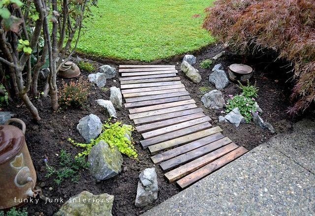 Pallet board pathIdeas, Gardens Walkways, Pallets Wood, Gardens Paths, Funky Junk, Pallets Garden, Pallets Boards, Pallets Walkways, Pallet Wood