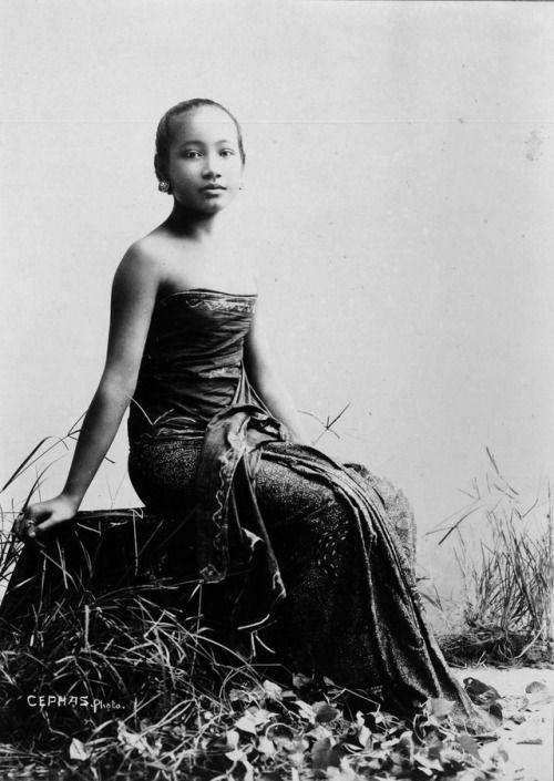 Kassian Cephas. Javanese woman c. 1900  [::SemAp Twitter ||...