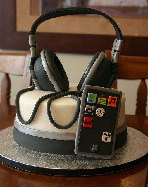 Headphones and Ipod | Flickr - Photo Sharing!