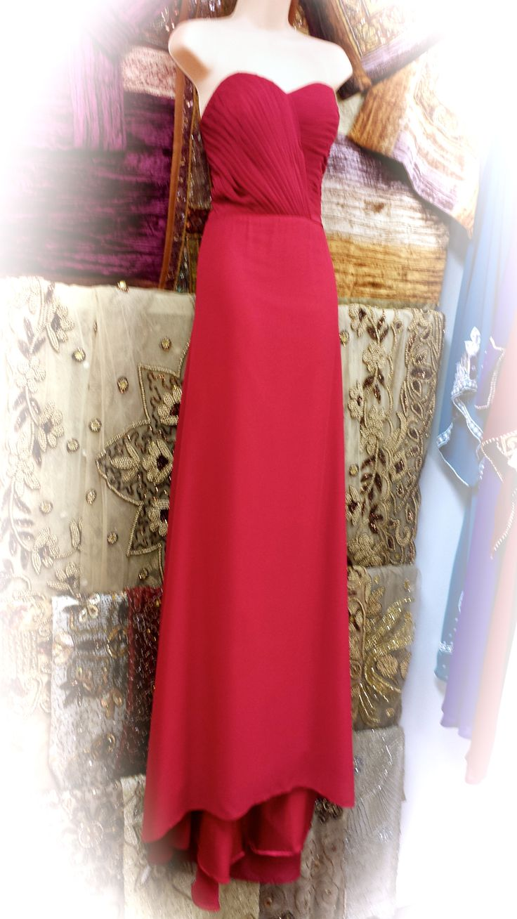 Beautiful gown with sweetheart neckline only $150.... Sale ends January 31st.