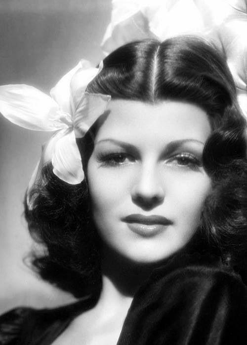 Rita Hayward, born Margarita Carmen Cansino from a lineage of Spanish dancers, when she was still a brunette.