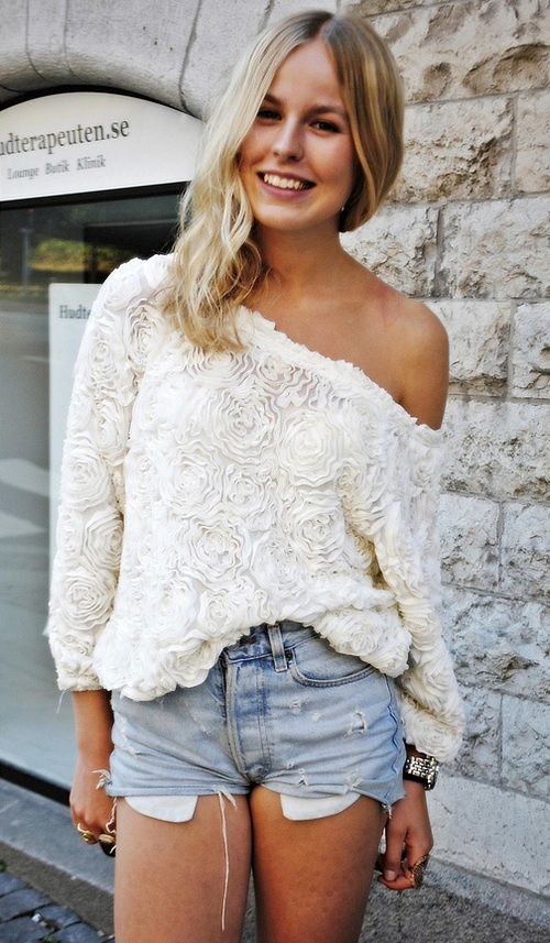 .: Blouses, Casual Style, Dreams Closet, White Rose, Shirts, Cute Outfits, Denim Cutoffs, Jeans Shorts, Shoulder Tops