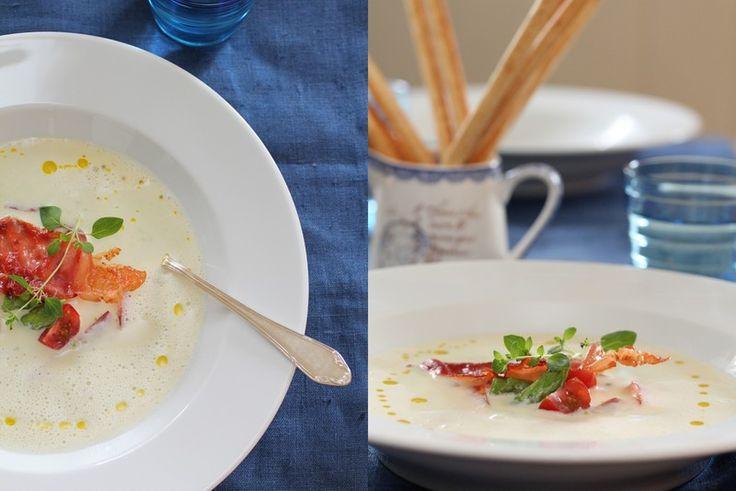 Aspargessuppe med sprøstekt spekeskinke [Min første aspargessuppe: deilig - ikke dropp sprøstekt spekeskinke]