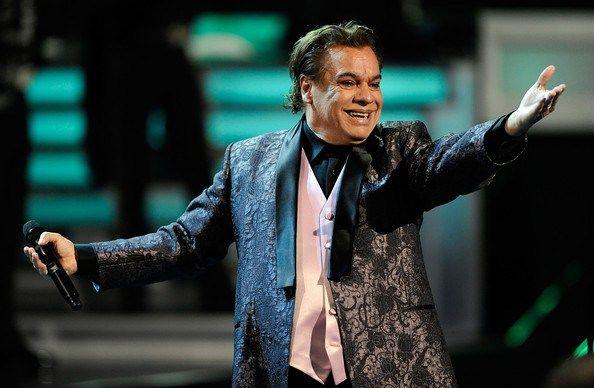 Juan Gabriel realizará concierto benéfico en Santa Fe