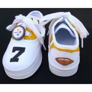 288 best images about steelers on pinterest for Pittsburgh steelers bedroom slippers
