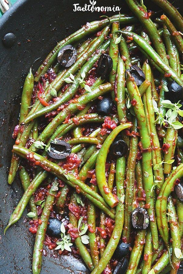 Fasolka szparagowa po grecku (pomidory + cynamon)