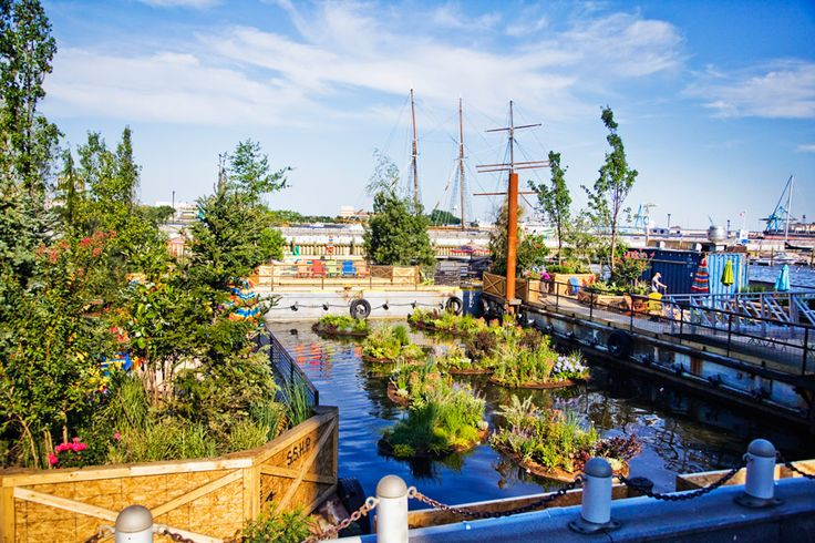 Spruce Street Harbor Park is back for the 2015 season starting Memorial Day Weekend! (Photo courtesy Matt Stanley for the Delaware River Waterfront Corporation)