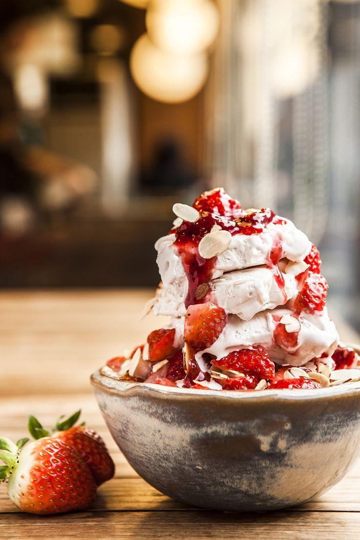 딸기 빙수 strawberry shaved ice