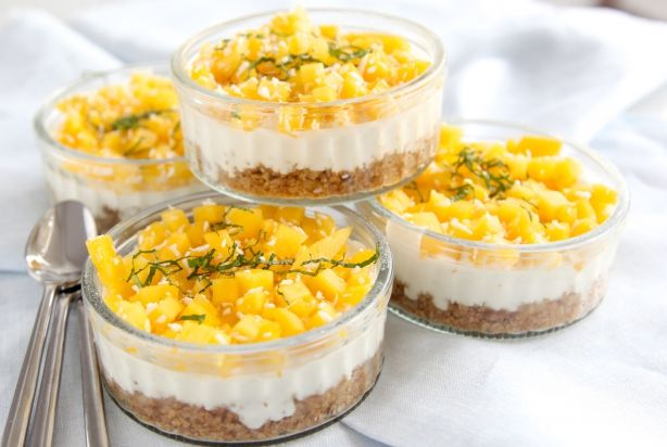 Mini kokos-cheesecake met mango