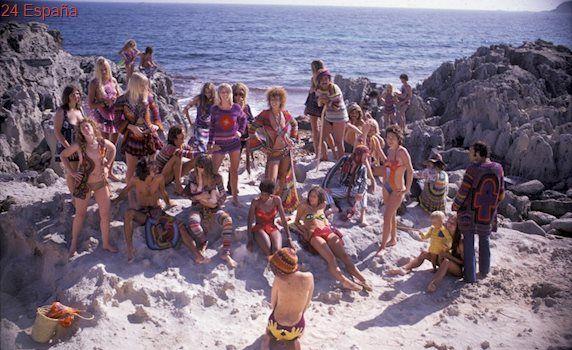 La 'contracostura' hippie: cuando la moda era rebelde, de piezas únicas y hecha a mano