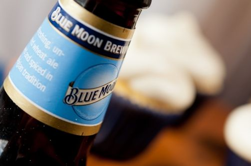 Blue moon beer citrus cupcakes // tasty and light, barely any hint of beer tho