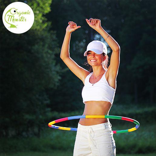 Good morning, Monsters! Bermain hula hoop bisa mengencangkan otot perut, otot paha, dan membentuk pinggul. Yeay!