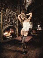 lingerie corpetto grigio con pizzo e perizoma baci lingerie fronte