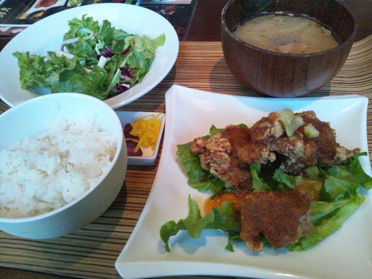 Karaage smothered in oroshi ponzu sauce in this lunch teishoku at Yakichi in Shinjuku.