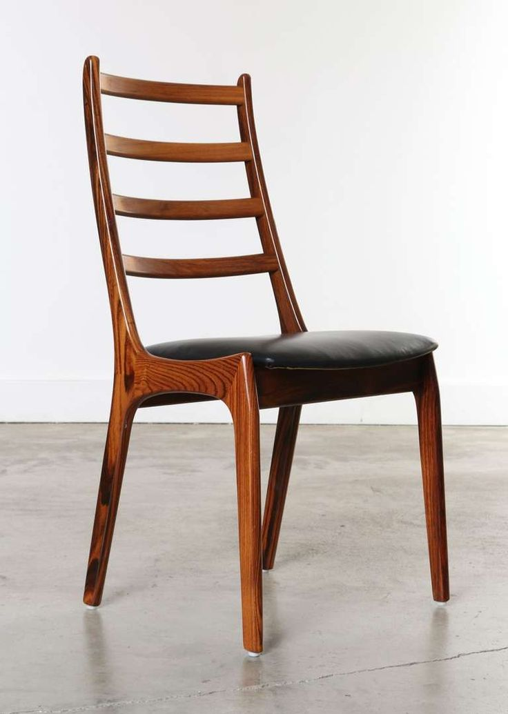 Set of 8 rosewood leather dining chairs kai kristiansen for Leather dining room sets