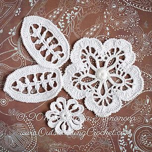 Two flower and leaf Irish crochet pattern / tutorial with step-by-step pictures, written instructions and charts.