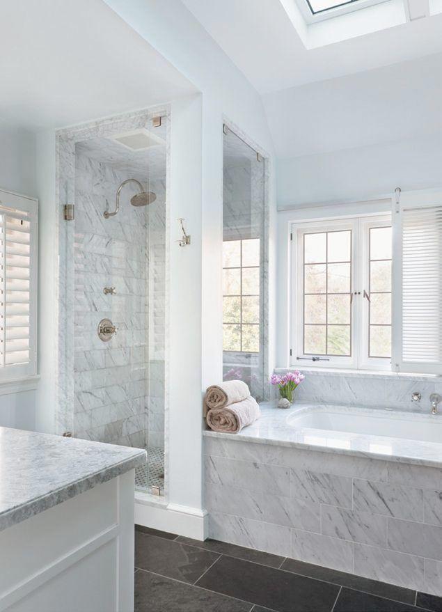 <p>Nej, det går inte att komma ifrån att ett badrum inrett i marmor i olika färg eller form känns extra lyxigt. Men det finns annan lyxig inspiration, kika själv på dessa 19 lyxiga badrum!</p>