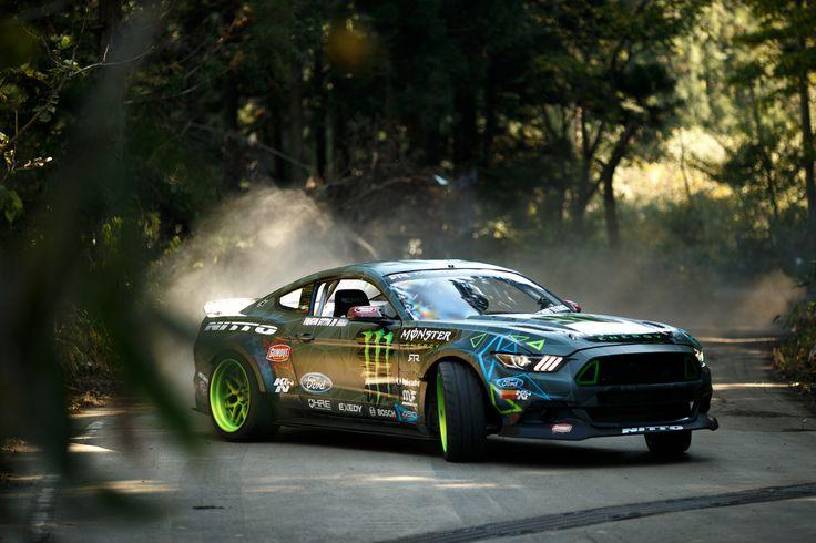 Tout en glisse, la course folle des pilotes Monster ! | GQ