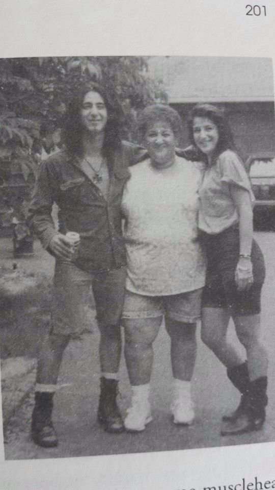 Sully Erna , his mom and sister