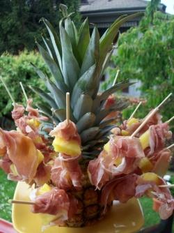 Idee per brunch e rinfreschi: Fior di ananas e prosciutto