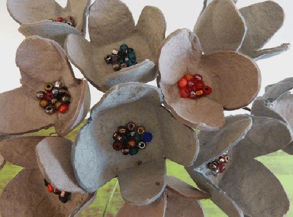 Como Fazer Flor De Caixa De Ovo 15 Fotos E Ideias Com Imagens