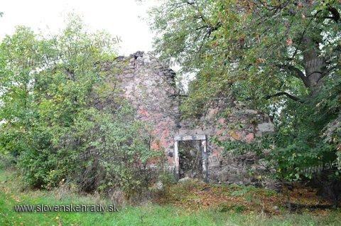 Horša kúria Belházyovcov, 1755 na zárubni
