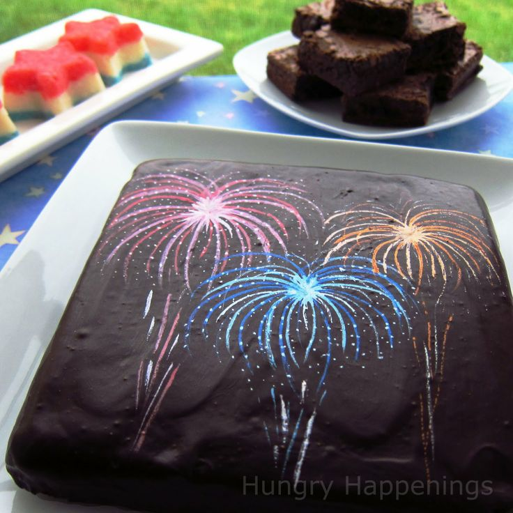 Add some fireworks to your brownies this 4th of July. Recipe & How-to! ~CallMeCrissy (Via: Hungry Happenings)