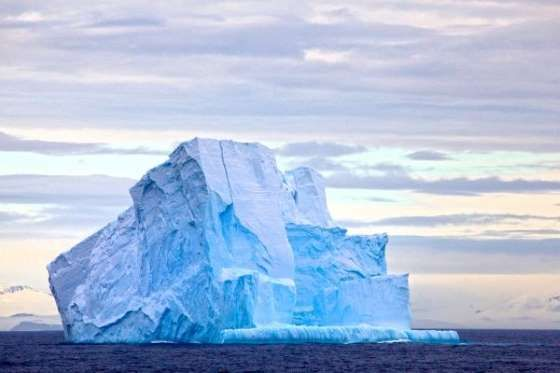 THE BIGGEST ICEBERG EVER RECORDED WAS BIGGER THAN JAMAICA At 4247 mi², the biggest iceberg ever recorded split from the Antarctic in 2000 - we definitely prefer the weather in Jamaica though...