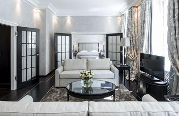 HOTEL | BAYERISCHER HOF MUNICH | GERMANY | 5* | Traditionsreiches, inhabergeführtes 5 Sterne Luxushotel im Zentrum von München, 340 luxuriöse Zimmer und Suiten, 1.300 qm Wellness Bereich.