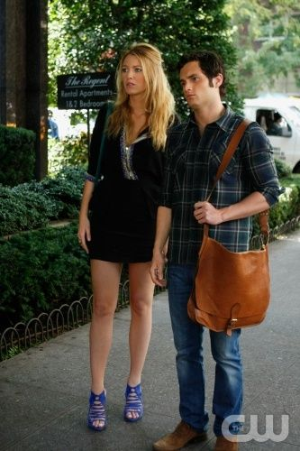 """The Lost Boy"" Pictured: Blake Lively as Serena, Penn Badgley as Dan Photo Credit: Giovanni Rufino / The CW © 2009 The CW Network, LLC. All Rights Reserved."
