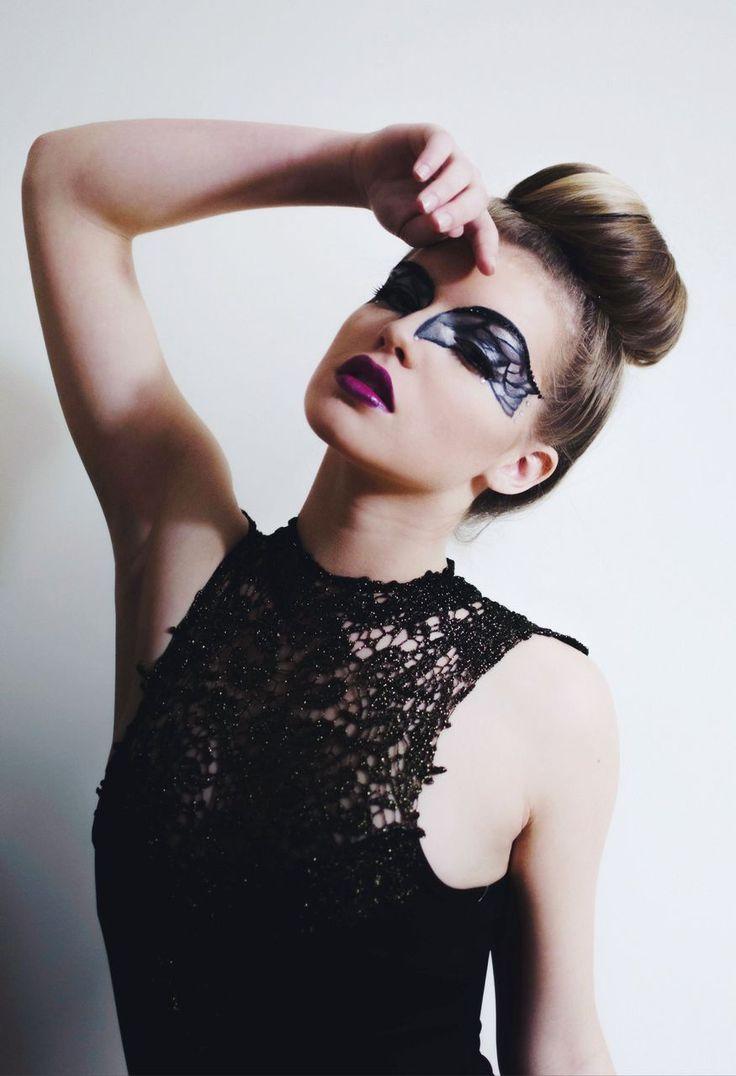 25 best Swan images on Pinterest | Black swan makeup, Make up and ...