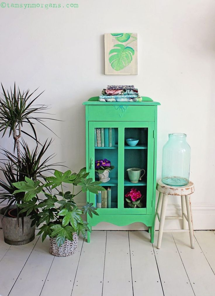 Botanical Style Cabinet Makeover With Chalk Paints