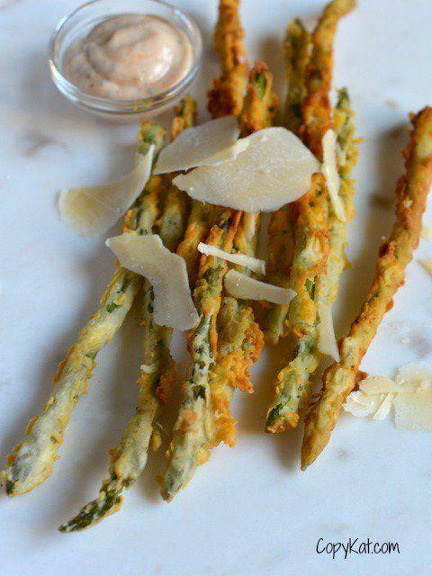 Longhorn Steakhouse Parmesan Encrusted Asparagus is a great way to prepare fresh asparagus. Asparagus is encrusted in a crispy parmesan crust, simply good.