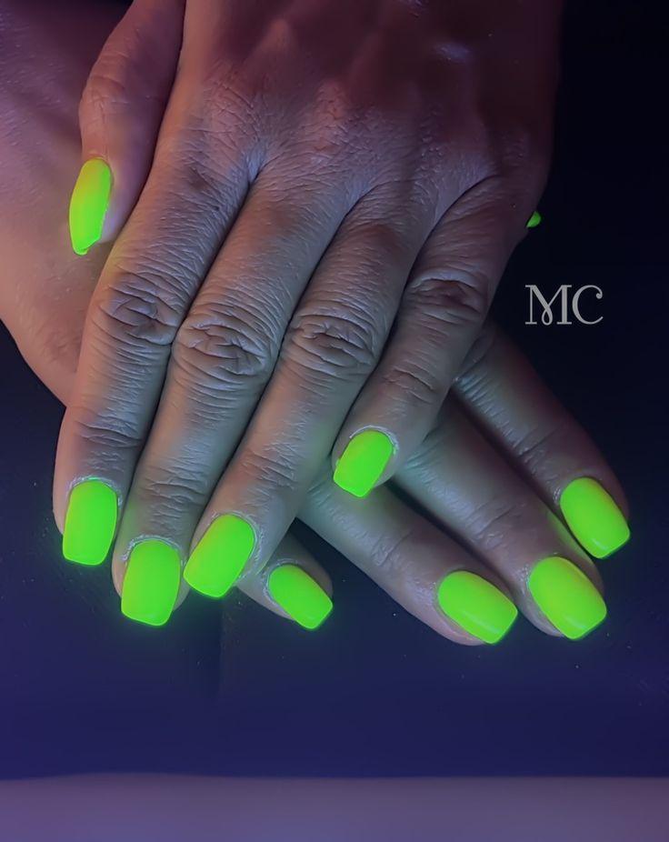 Neon nails #gelnails