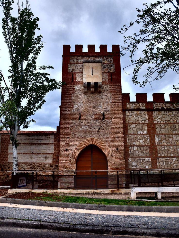 Torre de recinto amurallado