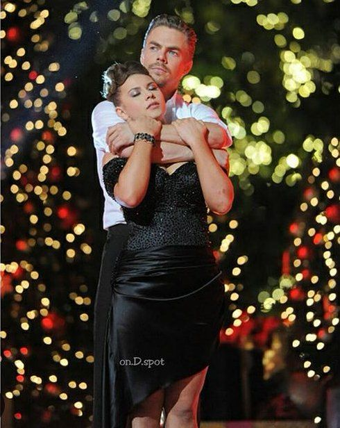 Derek Hough & Bindi Irwin Dancing With The Stars season 21 champs ♥