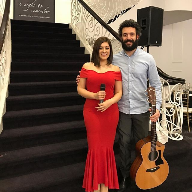🇦🇺Time to sing 🎶 #lovewhatwedo #singer #guitarist . . #debutante #debball #melbourne #melbournelifelovetravel #gig #timetosing #vocalist #singer #music #instasoul #instagood #instamusic #instasinger #love #joy #bliss #jazz #soul #motown #funk #instawedding #melbournesinger #melbourneweddingsinger #showcase #lovetosing #friday #top40 #melbournesinger