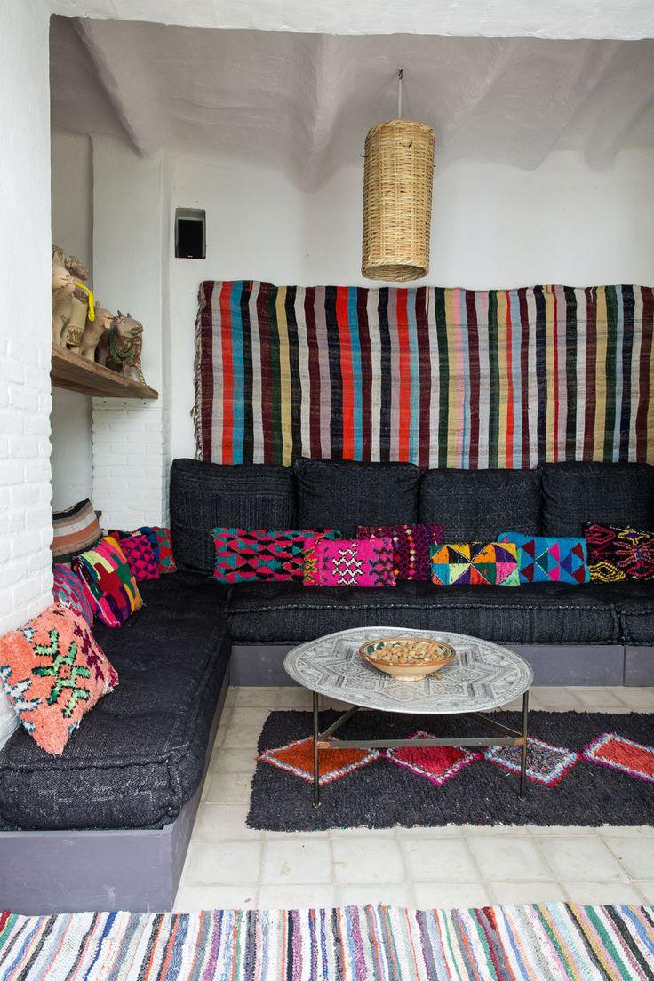 Maison de Terre avec des tapis Berbère, tapis Benchérouite | MilK decoration